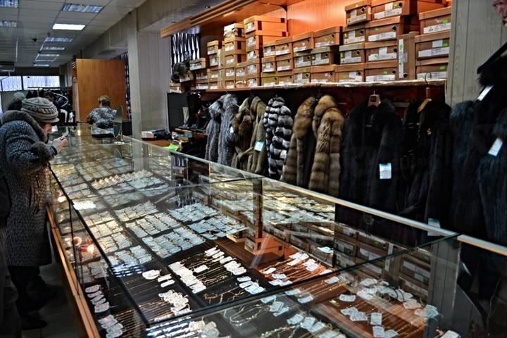 Ломбард шуб: плюсы и минусы покупки