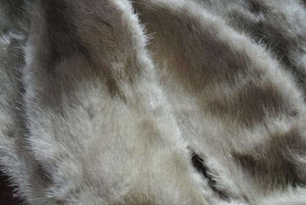Несколько советов о том, как разгладить слежавшийся мех шубы