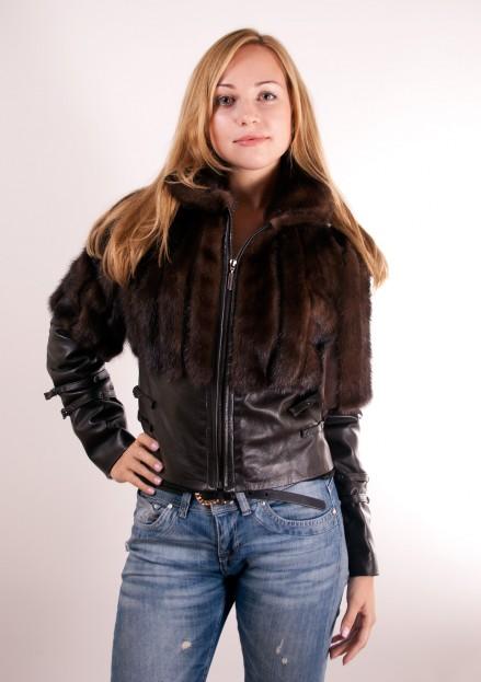 Практичные и удобные куртки из меха